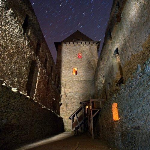 nocni hrad kasperk