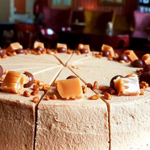 karamelovy dort upr